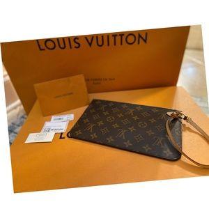 NEW 💯 AUTHENTIC Louis Vuitton Monogram Pochette❗️
